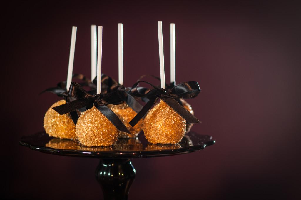Hollywood Award Show Cake Pops for a Dessert Bar